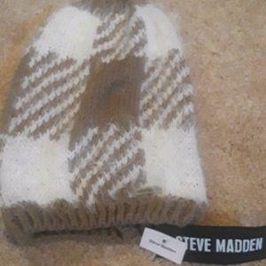 NWT Steve Madden Furry Slouch Beanie
